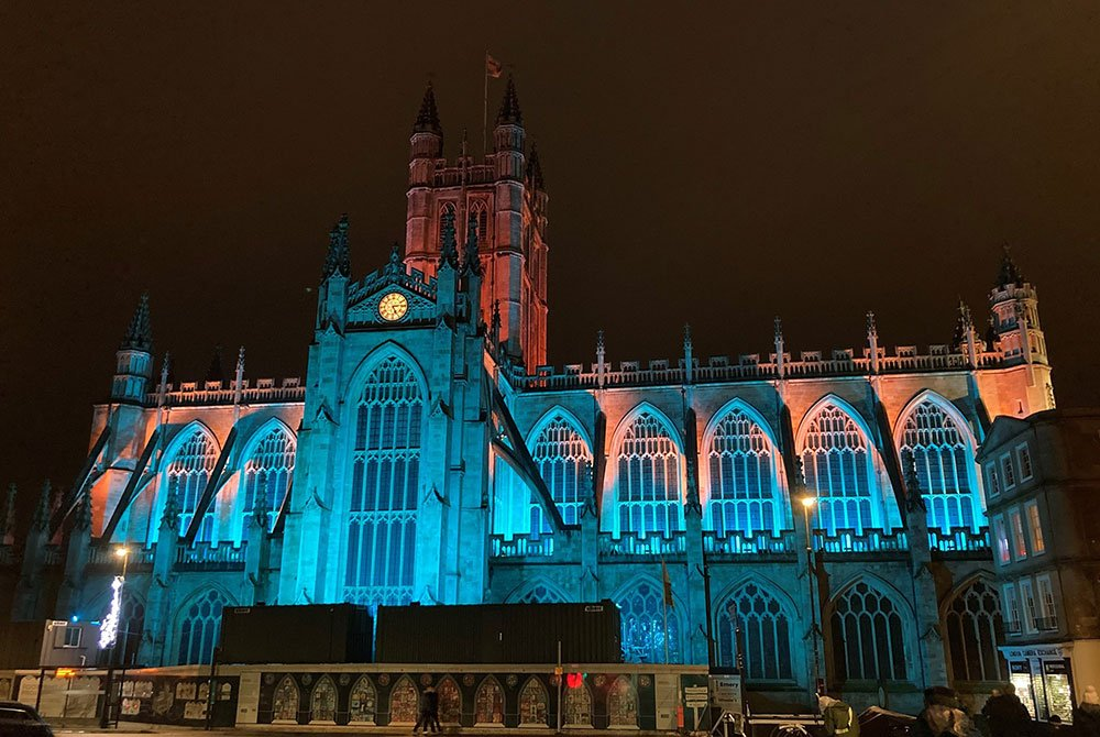 Fineline Lighting lights Bath Abbey for Christmas